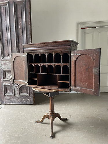18TH C. OAK HANGING CUPBOARD WITH PIGEONHOLE INTERIOR