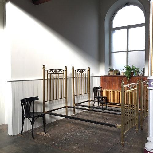 PAIR OF EDWARDIAN BRASS BEDS