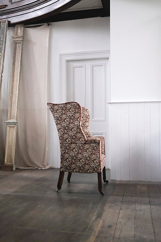 SWEET 18TH CENTURY WING CHAIR