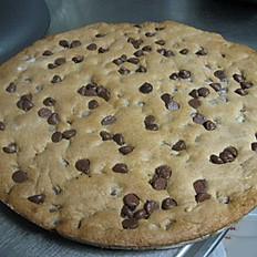 Ginourmous Chocolate Chip Cookie