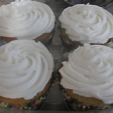 Gluten Free Yellow Cake Cupcakes