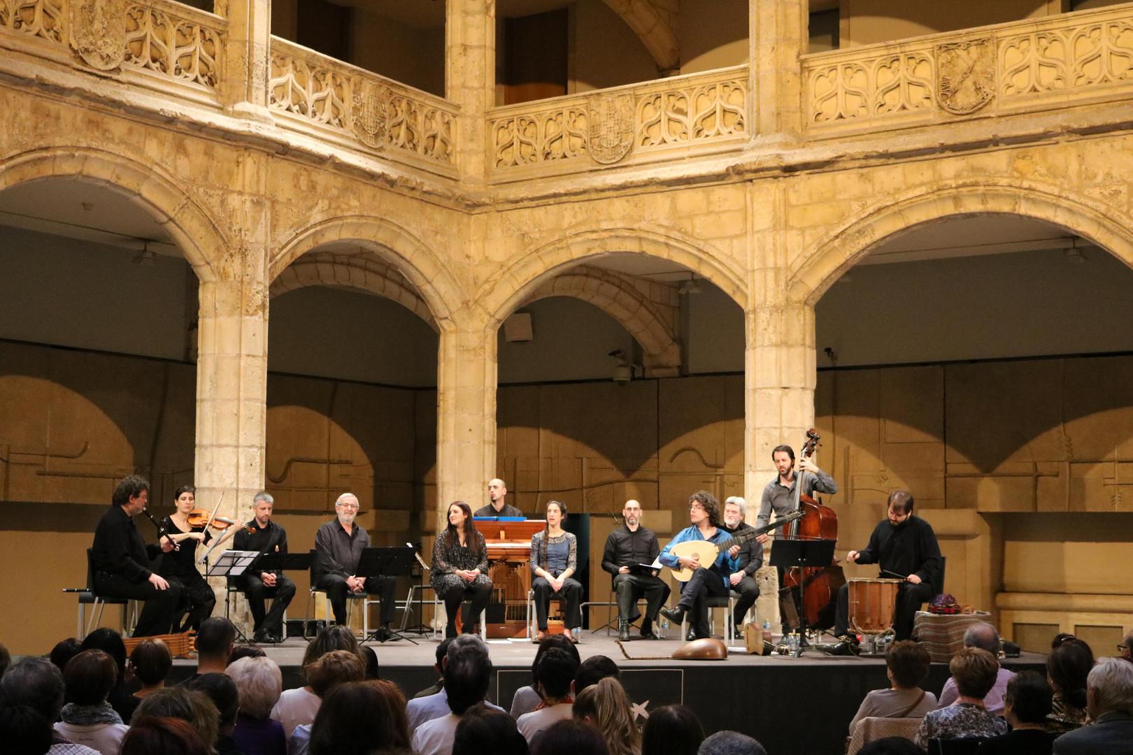 Patio of the Casa del Cordón | Burgos