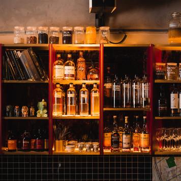 the_elephant_room_singapore-bar_interior