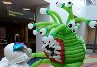 BuzzFeed - This Guy Quit His Desk Job And Became An Amazing Balloon Artist