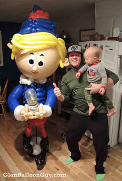 Hermie Balloon Delivery Sculpture