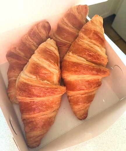 Large%20Croissants_edited.jpg