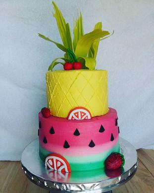 Twotti Fruity! #socute #watermelon #pineapple #fruitcake #buttercream #kupkates #kupkatesc