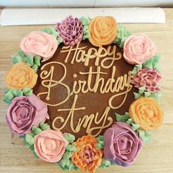 Pretty little Birthday Cake! ❤.jpg