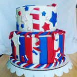 Late post for 4th of July cake!! 🎆🎇#kupkates #kupkatesvalpo #kupkatescustomcakes #butter