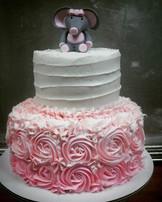 Cute little bby shower cake! #kupkates #babyshower #itsagirl #socute #buttercream #twotier