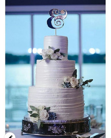 Loving this professional shot of the first wedding cake I did featured on the _somethingbl