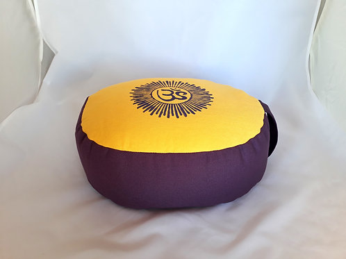 Coussin Ovale jaune orangé et violet, motif Aum