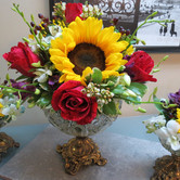 sunflower centerpiece and red bouts 004.