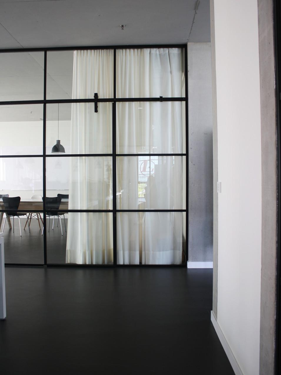 Innenarchitektur München Malluvia Marcella Breugl Leitwerk Unternehmensberatung Büroumbau Besprechungszimmer