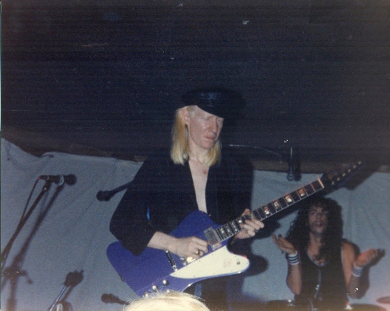 JOHNNY WINTER CANES