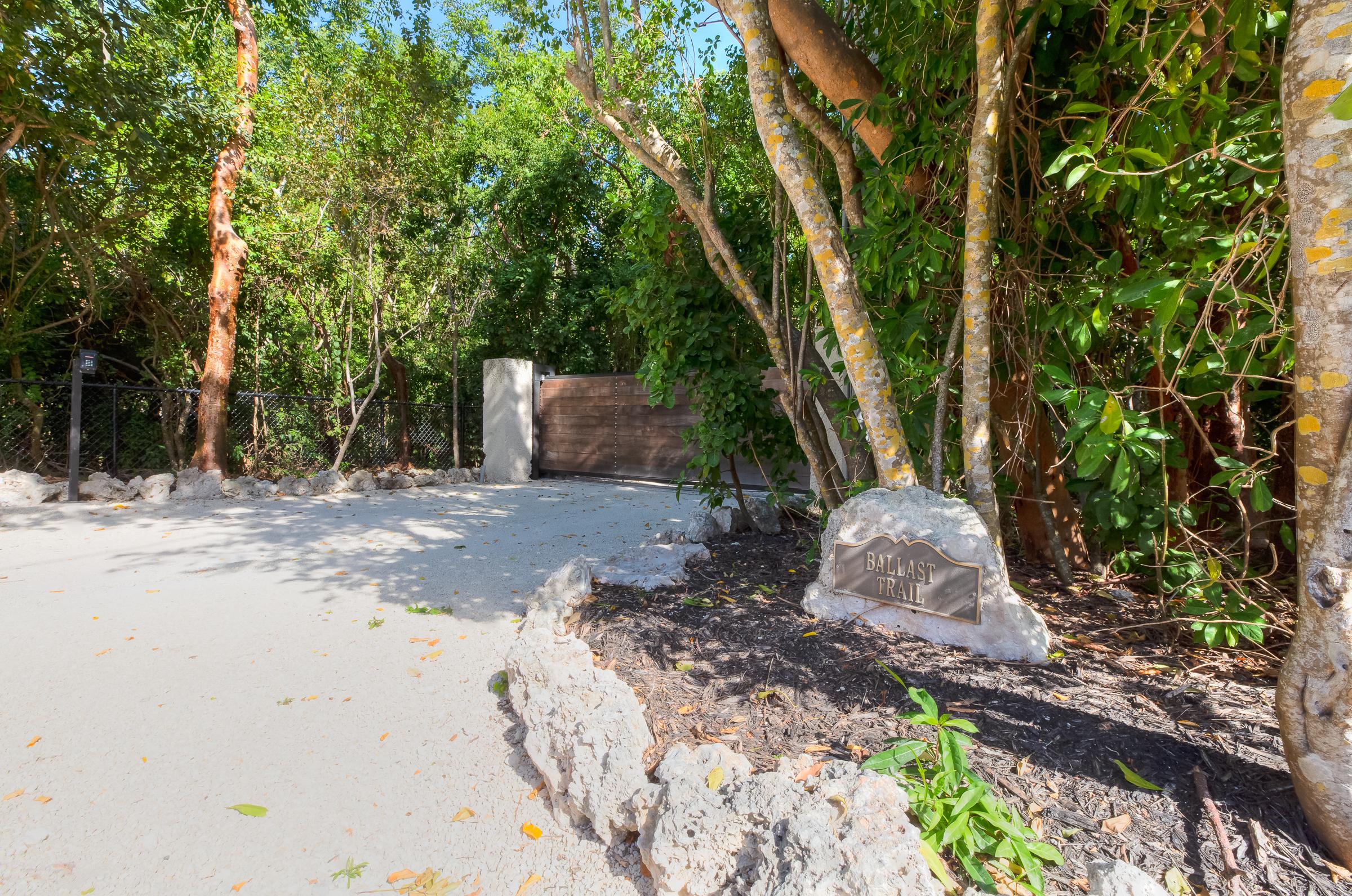 Ballast Trail (122)