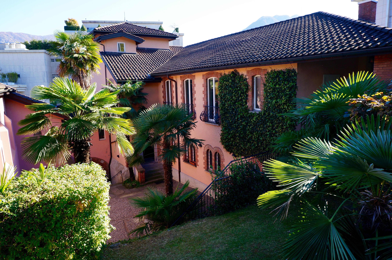 St Edward's Courtyard & Casa Benson