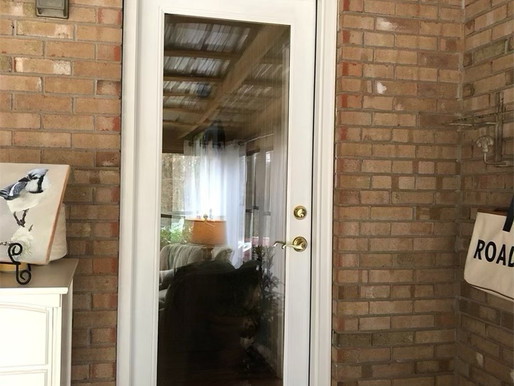 Tips on Repainting Doors and Cleaning Hardware