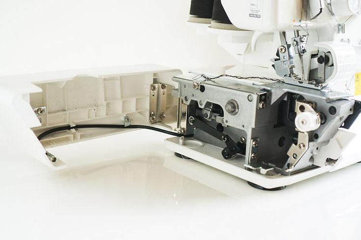 Juki-Serger-MO-654DE-5.jpg