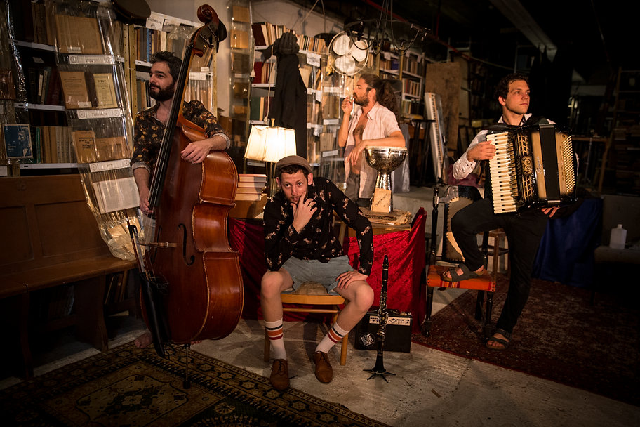 Israeli Klezmer band - Di Gasn trio
