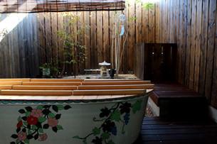Osaka hostel, Takai hostel which has the open air bath was attractive.
