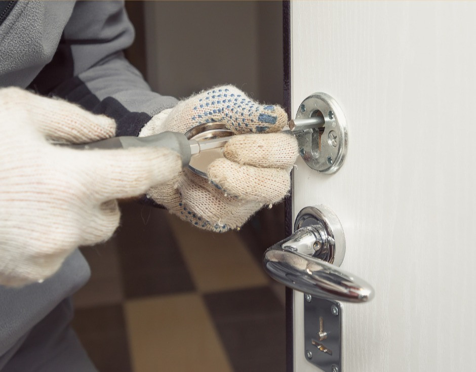 business locksmith - shop lock repair