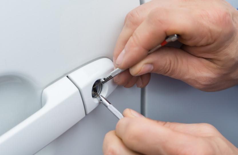 auto locksmith - lockout
