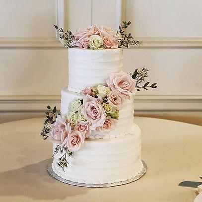 Wedding cake. #kimsconfections#wedding#c