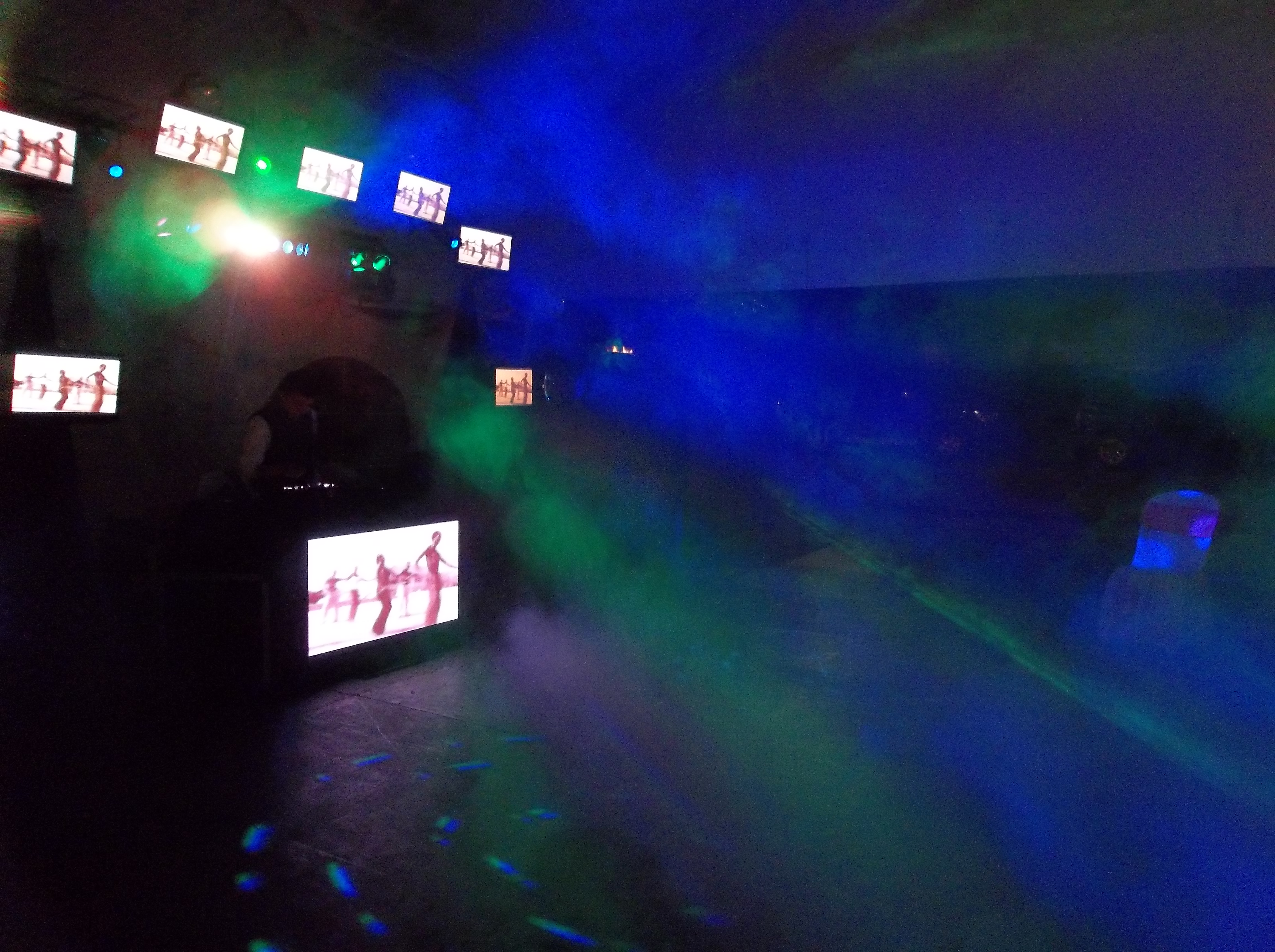Alquiler de sonido luces y pantallas para fiestas y eventos 0