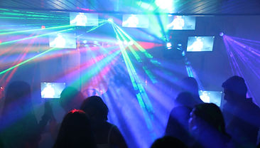 alquiler de videoteca, alquiler de sonido luces y pantallas con video dj para fiestas, eventos, unico en bogota de alto nivel de recordacion por su originalidad
