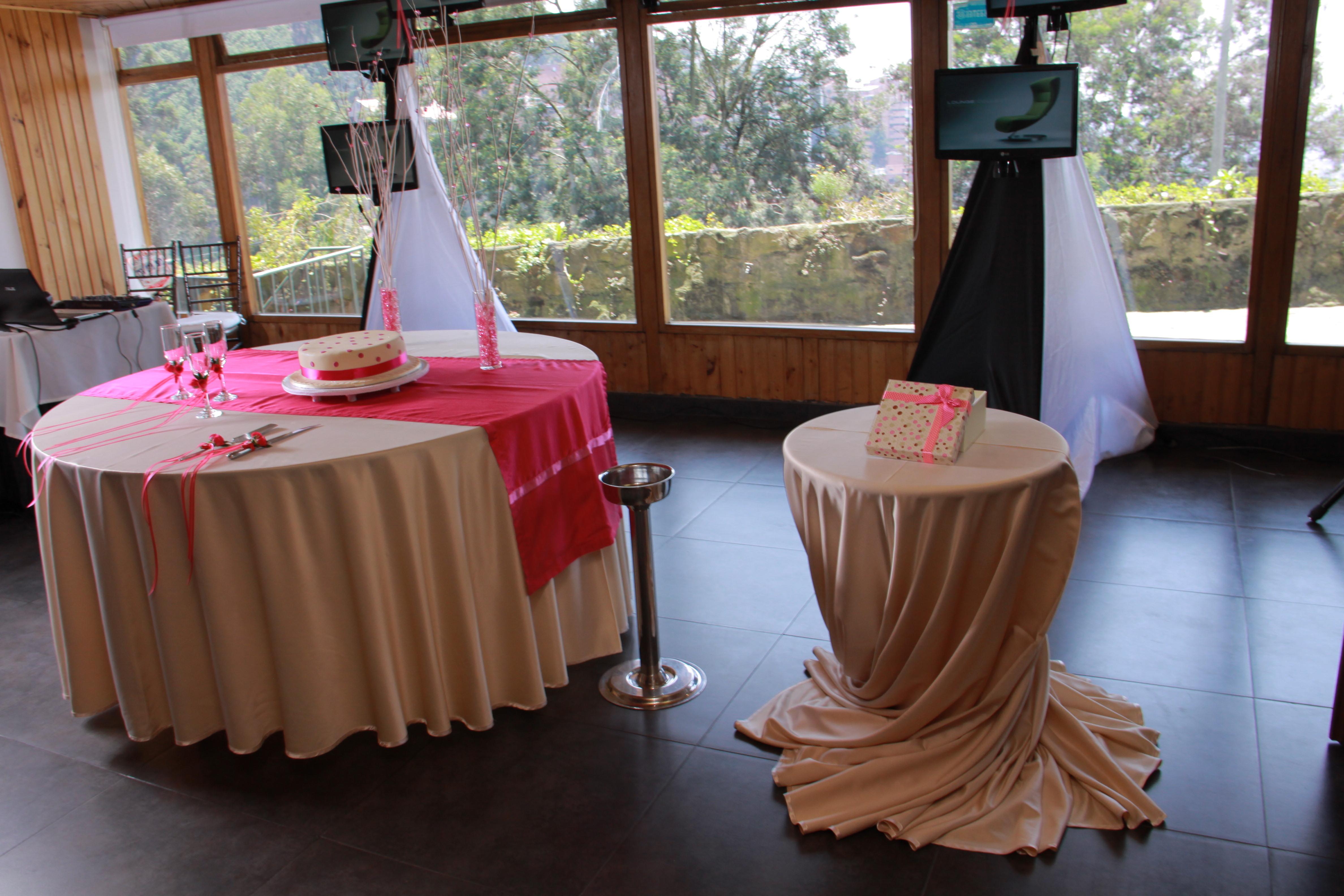 Alquiler de sonido luces y pantallas para fiestas y eventos 10