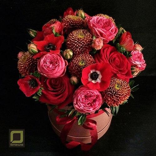 Яркий букет в красно-розовом цвете. 130.
