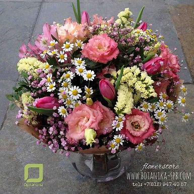 Нежный букет с тюльпанами и ромашкой, 8 марта, женский день