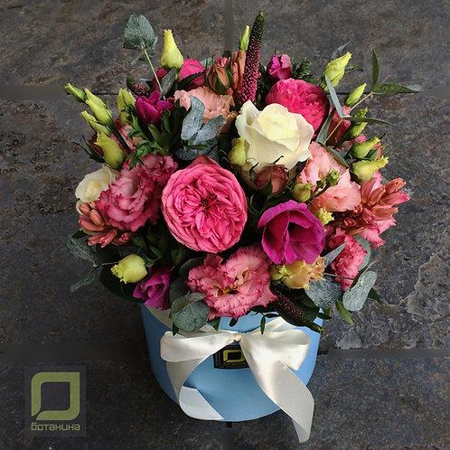Букет с пионовидными розами в коробке. 066