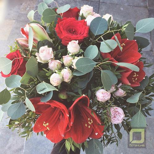 Яркий букет с амариллисами и розой. 034