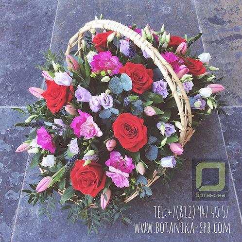 Большая корзина с цветами. 030