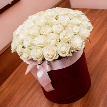 Букет белых роз в шляпной коробке. 017