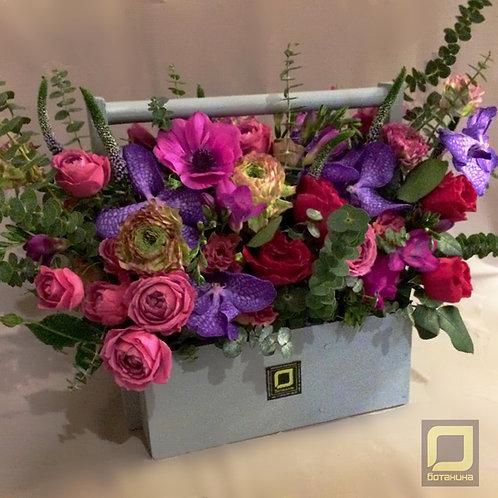 Цветочная композиция в ящике. 091