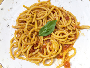 Pici in a classic tomato sauce from scratch