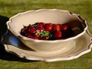 Poêlées de cerises au vin rouge et thym citronné