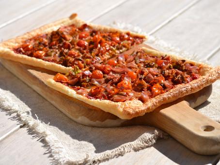 Pizza feuilletée, poireaux - tomates cerises