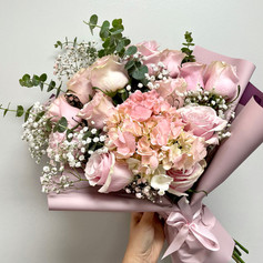 Custom-Wrapped Rose Bouquet Pink