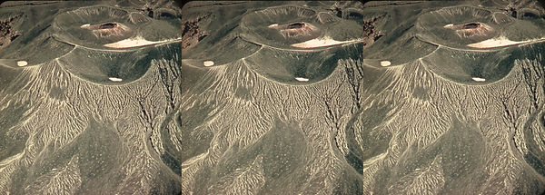 DV-70_Death_Valley_CA_Craters_near_Ubehe