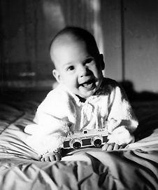 BabySusanhappywithMicromacamera1952.jpg