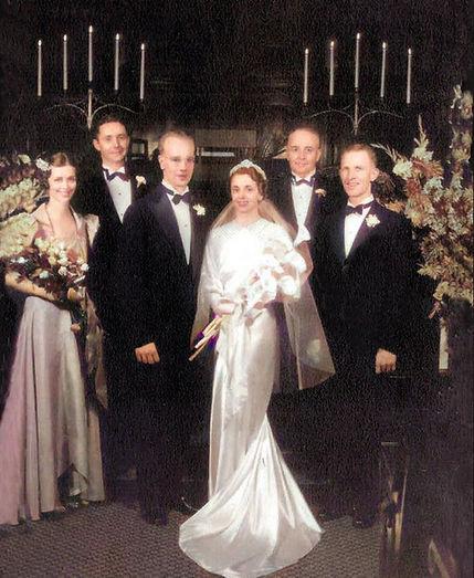 wedding photo of Gordon and Helen Smith-