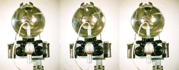 1950s_Stereo_Realist_with_flashbulb_setu