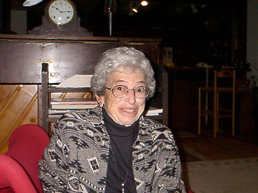 2002 Vivian Walworth by Susan Pinsky .jp