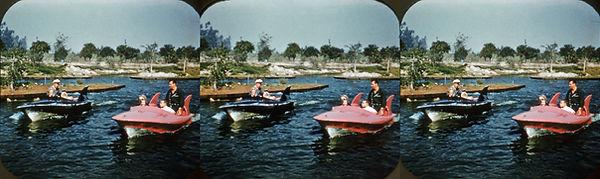 D855-B Disneyland Tomorrowland by Charle