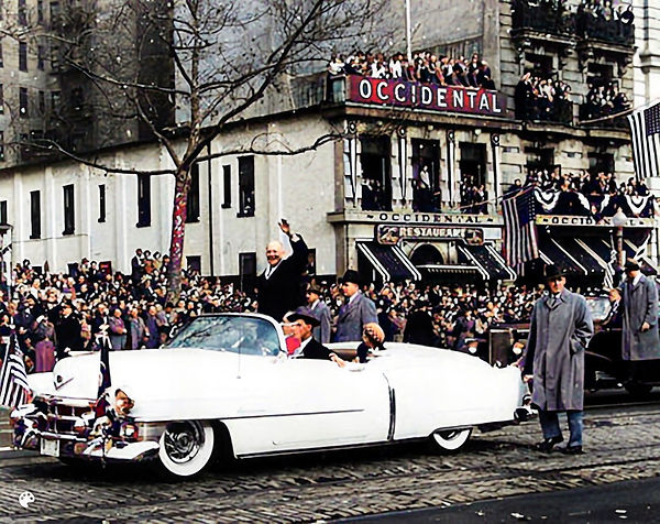 1953_01_20 Dwight D Eisenhower and Mamie Eisenhower wave to crowds during the Inaugural Pa