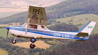 Cessna-150%204_edited.jpg